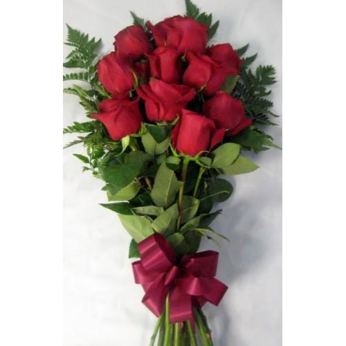 dozen red roses wrapped wrap n go florist